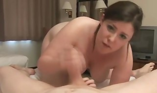 Plumper stunner enjoying some rough stroking - Fetish hookup movie