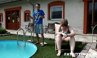 Voluptious Plumper Diana plumbs a thin fellow by the pool  - Fetish lovemaking movie