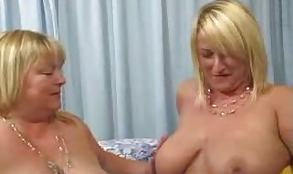 BigBouncingBoobs - Libby and Kelly